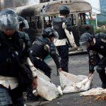 إصابة اثنين من قادة المعارضة في فنزويلا خلال مسيرة مناهضة للحكومة
