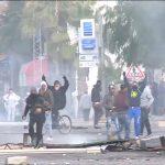 فيديو  الأمن التونسي يفرق المعتصمين في تطاوين بالغاز المسيل للدموع