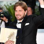 الفيلم السويدي الساخر «الميدان» يفوز بالسعفة الذهبية في مهرجان كان