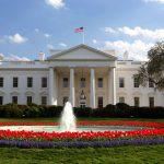 قبل زيارة دولة الاحتلال:«البيت الأبيض» يصحح مواقفه السياسية..وخطة ترامب بـ«سقف زمني»