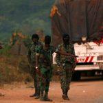 فيديو| قوات الجيش تتصدى للمتمردين في ساحل العاج