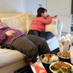 التلفزيون في غرف الأطفال يتسبب في إصابتهم بـ«البدانة»