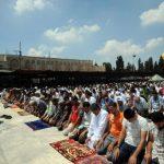 فيديو| الأقصى يستقبل آلاف الفلسطينيين في الجمعة الأولى من رمضان