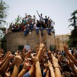 فيديو| مراسلا الغد: حشود فلسطينية ضخمة تستعد للتظاهر عقب صلاة الجمعة