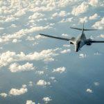 رويترز: سقوط طائرة إف-16 فوق مبنى بولاية كاليفورنيا الأمريكية