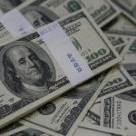 الدولار عند أعلى مستوى في 8 أسابيع أمام الين