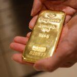 الذهب يصعد بدعم تراجع الدولار مع احتمال تأجيل خفض ضريبي أمريكي