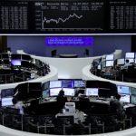بورصات أوروبا تتراجع وسط معاناة إسبانيا والبنوك من أزمة كتالونيا