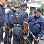الشرطة الجزائرية تمنع مسيرة للطلاب وتعتقل العشرات