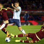 الأرجنتين تهدر تقدمها بهدفين لتخسر برباعية أمام نيجيريا وديا