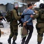 الاحتلال يعتقل 4 فلسطينيين ويستدعي آخر في الضفة الغربية