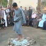 طفل مصري يقوم بأعمال خارقة مثل «سوبرمان»