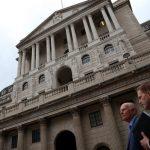 مسح: اقتصاد بريطانيا يكتسب قوة ويزيد احتمال رفع الفائدة