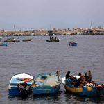 الاحتلال يفتح النار على الصيادين شمال قطاع غزة
