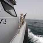 رئيس الوزراء اليمني: ضبط سفينة إيرانية على متنها 19 بحارا