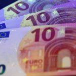 اليورو يرتفع وسط ترقب لتأثير قانون الإصلاح الضريبي الأمريكي