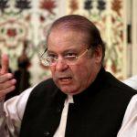 رئيس وزراء باكستان المعزول يمثل أمام محكمة في قضية فساد