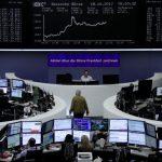 أسهم أوروبا تتعافى مع عودة القطاعات المرتبطة بالدورة الاقتصادية