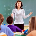 أوروبا تقدم أفضل الرواتب للمعلمين