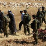 الاحتلال يخطر 50 عائلة فلسطينية في منطقة الأغوار بإخلاء منازلهم