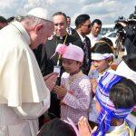 البابا يدعو مشردين وفقراء ومهاجرين في روما لقضاء يوم في سيرك