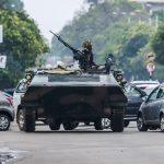 الغموض يخيم على زيمبابوي بعد سيطرة الجيش على السلطة
