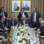 فتح وحماس تنفيان تلقيهما دعوات لعقد اجتماع عاجل في القاهرة