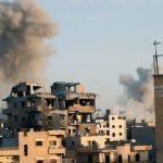 مقتل 50 شخصا على الأقل في قصف مدفعي وغارات روسية شرق سوريا