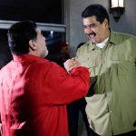 مارادونا سيلعب كرة القدم مع الرئيس الفنزويلي مادورو