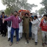 إغلاق معبر حدودي لإعادة جثمان دبلوماسي باكستاني قتل في أفغانستان