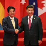 رئيس وزراء اليابان يشيد «ببداية جديدة» للعلاقات مع الصين