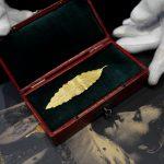 صور| ورقة غار ذهبية من تاج نابليون تعرض في مزاد بفرنسا
