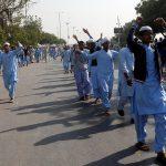 حشد غاضب يدمر أجزاء من مسجد للأحمدية في باكستان