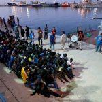 إيطاليا تطلب من حلف الأطلسي المساعدة في مواجهة تدفق المهاجرين