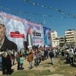 صور| عشرات الآلاف يشاركون في إحياء ذكرى استشهاد عرفات بغزة