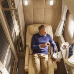 فيديو  شركة الطيران الإماراتية تكشف عن مقصورتها الجديدة لركاب الدرجة الأولى