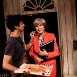 تمثال شمعي مبتسم لرئيسة وزراء بريطانيا يخفي عذاباتها في سدة الحكم