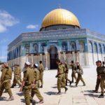 عشرات المستوطنين يقتحمون الأقصى وجرافات الاحتلال تهدم منشآت