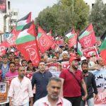 الجبهة الشعبية تطالب الشعوب العربية بمحاصرة السفارات الأمريكية