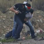 فيديو| وحدة «مستعربين» إسرائيلية تداهم مظاهرة فلسطينية وتعتقل متظاهرين قرب رام الله