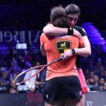 أبطال العالم المصريون في الاسكواش يضربون المثل في الروح الرياضية