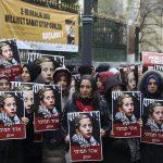 صور| مسيرة صامته في اسطنبول للتضامن مع الطفلة الفلسطينية عهد التميمي