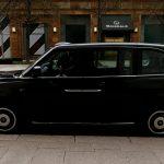نسخةكهربائية من تاكسي لندن الشهير تدخل الخدمة