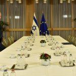 الاتحاد الأوروبي يبلغ نتنياهو رفضه خطوة ترامب بشأن القدس