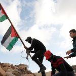 مئات الآلاف من الفلسطينيين يشكلون سلسلة بشرية في غزة لنصرة القدس