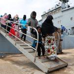 خفر السواحل الليبي ينقذ أكثر من 250 مهاجرا لدى محاولتهم الوصول إلى إيطاليا