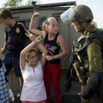 الاحتلال يعتقل نور شقيقة عهد التميمي من منزلها في رام الله
