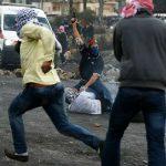 إصابة 17 فلسطينيا واعتقال 9 آخرين خلال مواجهات مع الاحتلال في الضفة الغربية
