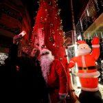 صور  أحياء حمص القديمة تفك حداد الحرب عشية الميلاد