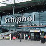 الشرطة الهولندية تطلق النار على رجل يحمل سكينا في مطار شيبول بأمستردام